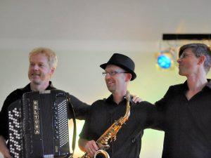 Eröffnungsfest &#8222;Magie des Moments&#8220;<br>Musik von Acoustic Supreme